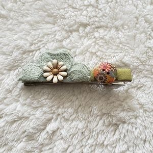 Accessories - Green Floral Embellished Hair Clip